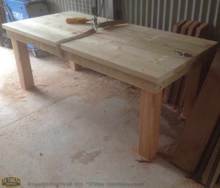 1581326448-Solid-posted-wooden-table-2.jpg