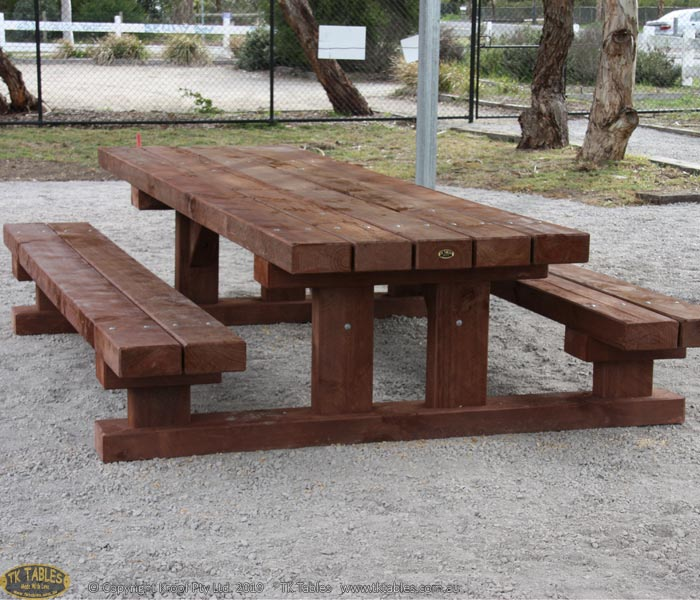 Communal Sleeper Outdoor Table Set